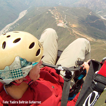 Paragliding in Canyon Chicamocha